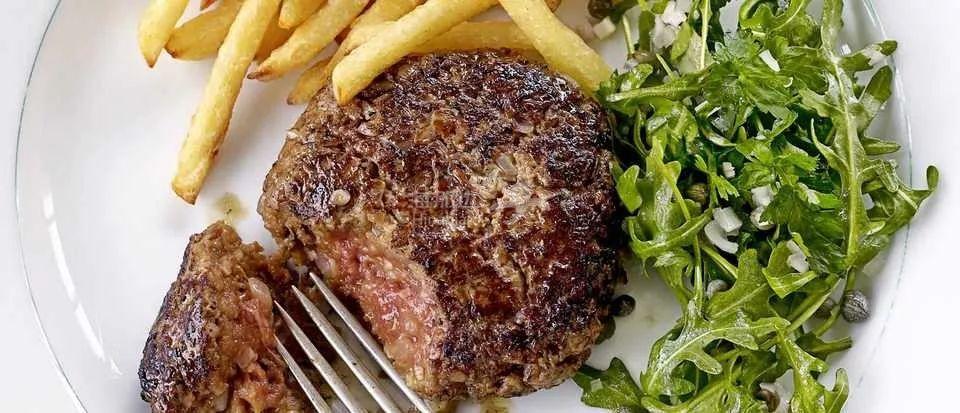 法国男孩不幸夭折,只因吃了块劣质碎牛肉排