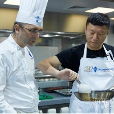 【美国EB1A】解读:好先生孙红雷厨师获得美国绿卡!
