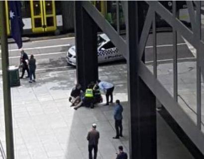 特大突发!墨尔本CBD发生恐怖袭击,恐袭者大街叫嚣!12人受伤!