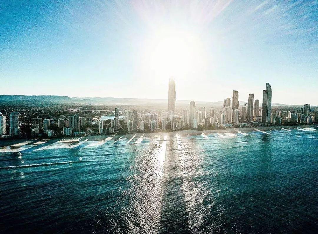 触底反弹的澳房市场,是否值得投资呢?公寓别墅又该如何选择?