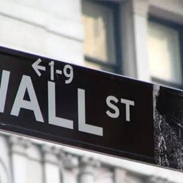 为了华尔街的高薪,我放弃了经济学和商科专业!