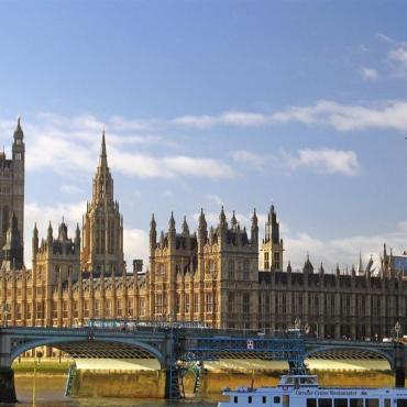 如何用塞浦路斯欧盟护照入籍英国?