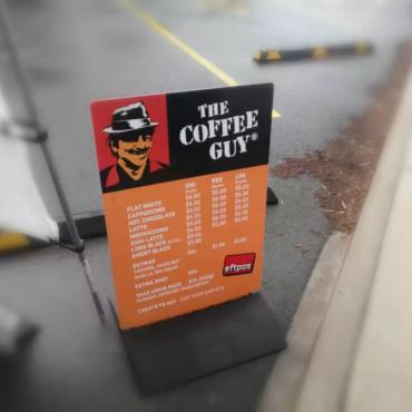 谁在奥克兰的暴风雨里卖咖啡?COFFEE GUY 的故事