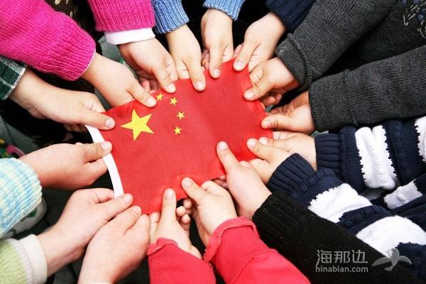 为什么那些出了国的人都觉得还是中国好?一出国便爱国的人达70%!