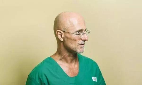 世界首例人尸换头手术在中国成功