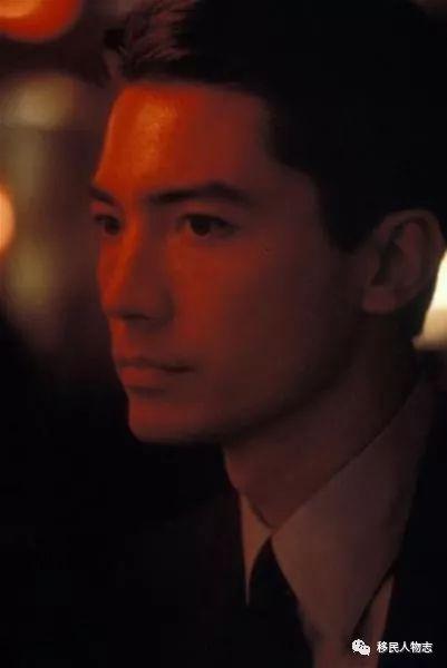 出生被父母遗弃,17岁偷渡美国,却成好莱坞最传奇华裔演员!