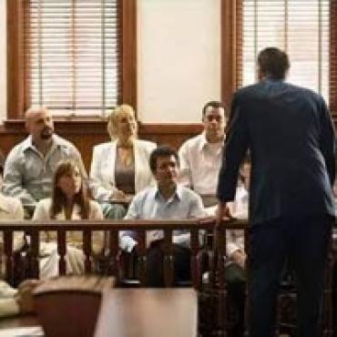 假装不会英语躲避陪审义务,这个华人移民现在麻烦大了