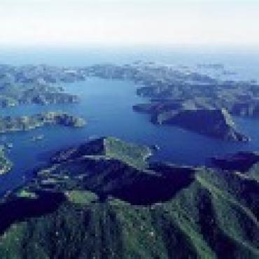 驾船畅游新西兰奥克兰 纵览秀美海岸