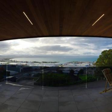 【婆在新西兰】邻居百万富翁钻石王老五家的...