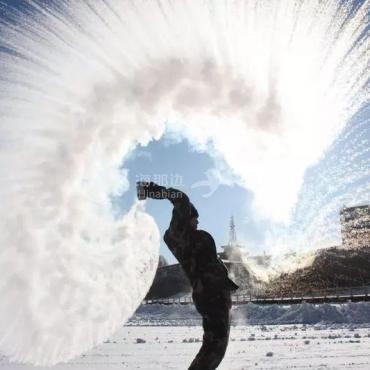 中国:今年冬天真冷!加拿大:要知足好么?